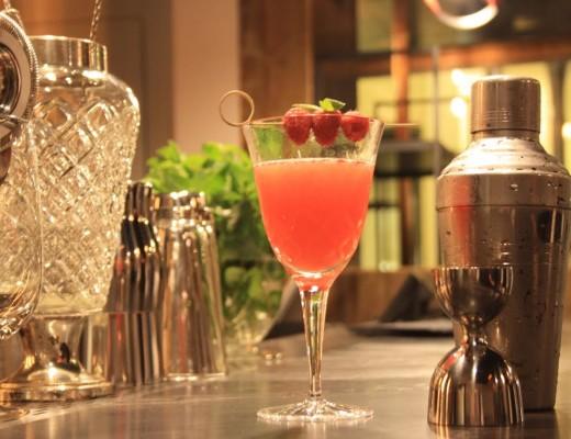 Opposto Cocktail House
